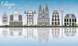 Horizon de Cologne avec Gray Buildings, le ciel bleu et les réflexions illustration stock