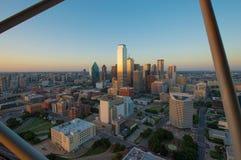 Horizon de Dallas City au coucher du soleil, le Texas, Etats-Unis photographie stock