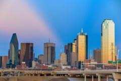Horizon de Dallas City au crépuscule photo libre de droits