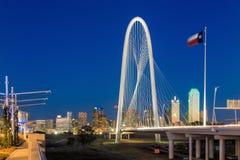 Horizon de Dallas City au crépuscule Photos libres de droits