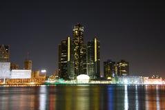 Horizon de Detroit la nuit Photo libre de droits