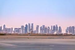 Horizon de Doha Paysage urbain de capitale du Qatar photo stock