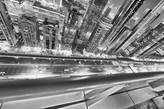 Horizon de Downrtown le long de Sheikh Zayed Road la nuit, Dubaï Photos libres de droits