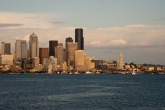 Horizon de Dowtown Seattle Photographie stock libre de droits