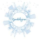 Horizon de Guadalajara d'ensemble avec les bâtiments et l'espace bleus de copie Photos stock