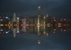 Horizon de Hong Kong la nuit images libres de droits