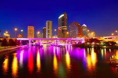 Horizon de la Floride Tampa au coucher du soleil aux USA image stock