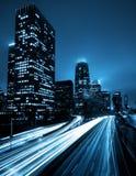 Horizon de Los Angeles la nuit photographie stock libre de droits