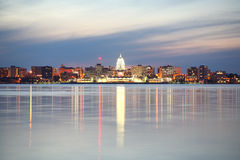 Horizon de Madison le Wisconsin au crépuscule Photo libre de droits
