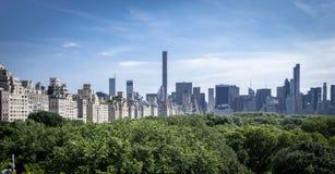 Horizon de Manhattan du Musée d'Art métropolitain Photo stock