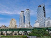 Horizon de Manhattan, immeubles modernes Images stock