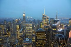 Horizon de Manhattan la nuit, New York City Photos libres de droits