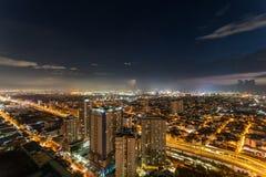 Horizon de Manille de métro au coucher du soleil Photos stock