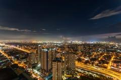 Horizon de Manille de métro au coucher du soleil Images stock