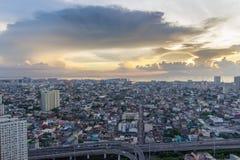 Horizon de Manille de métro au coucher du soleil Photo libre de droits