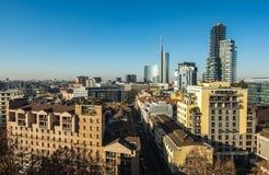 Horizon de Milan avec les gratte-ciel modernes district des affaires, Italie images libres de droits