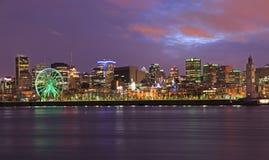 Horizon de Montréal et saint Lawrence River au crépuscule, Canada image libre de droits