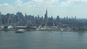 Horizon de New York City avec l'Empire State Building banque de vidéos