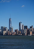 Horizon de New York City avec une construction de World Trade Center Images stock