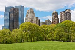 Horizon de New York City de Central Park Images libres de droits