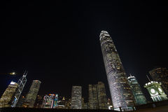 horizon de nuit de Hong Kong de construction le plus grand Photos stock