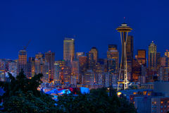 Horizon de nuit de ville de Seattle Photo stock