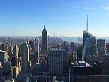 Horizon de NYC à partir du dessus de la roche Photo libre de droits