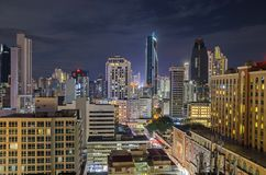 Horizon de Panamá City la nuit photo libre de droits