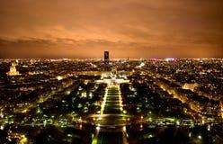 Horizon de Paris la nuit photo libre de droits
