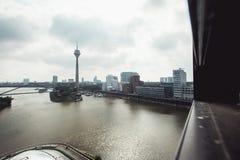 Horizon de paysage urbain de Dusseldorf à l'été 2017, Allemagne Image stock