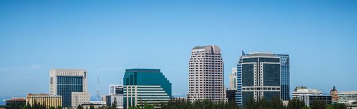 Horizon de paysage urbain de Sacramento la Californie le jour ensoleillé Photographie stock libre de droits