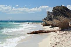 Horizon de Perth de plage de Thomson Bay Île de Rottnest Australie occidentale l'australie images stock