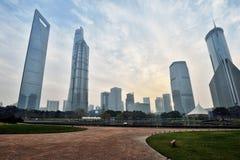 Horizon de place financière de Lujiazui Photographie stock libre de droits