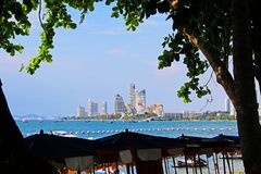 Horizon de plage et de ville de Pattaya, Pattaya, Thaïlande Photos stock