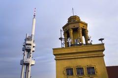 Horizon de Prague avec l'émetteur de tour de télévision de Zizkov, République Tchèque Images libres de droits