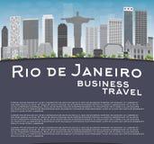 Horizon de Rio de Janeiro avec les bâtiments gris, le ciel bleu et l'endroit f illustration stock