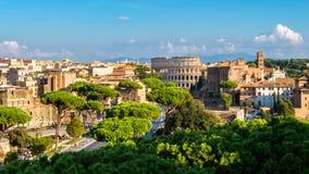 Horizon de Rome avec Colosseum et Roman Forum, Italie image libre de droits