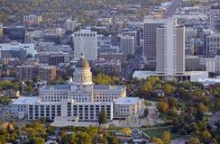 Horizon de Salt Lake City avec le bâtiment de capitol, Utah photo libre de droits