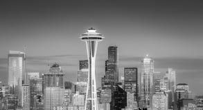 Horizon de Seattle au crépuscule photos libres de droits