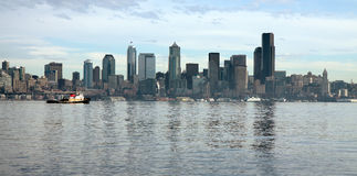 Horizon de Seattle comme vu d'Alki Image libre de droits