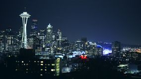 Horizon de Seattle la nuit Les Etats-Unis banque de vidéos
