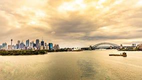 Horizon de Sydney au coucher du soleil images stock