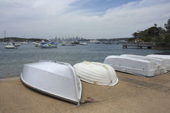 Horizon de Sydney de compartiment de Watsons en Australie Image libre de droits