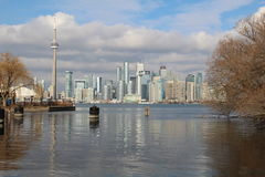 Horizon de Toronto et tour de NC images stock