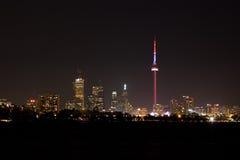 Horizon de Toronto la nuit Photographie stock libre de droits