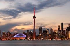 Horizon de Toronto la nuit Photographie stock