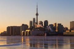 Horizon de Toronto pendant les mois d'hiver Image libre de droits