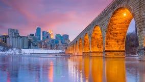 Horizon de van de binnenstad van Minneapolis in Minnesota, de V.S. stock foto's