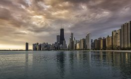 Horizon de Van de binnenstad van Chicago tijdens zonsopgang Stock Foto