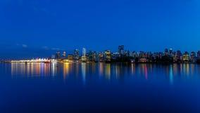 Horizon de Vancouver au crépuscule Images stock
